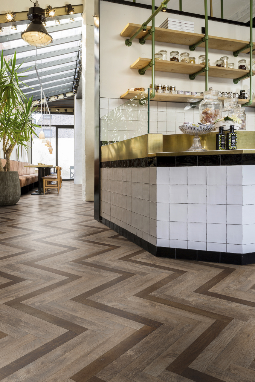 MO_166-Herringbone-Slim-One-in-Four-Classic_IM-Country-Oak-54852-54880_ROOM_14578 Care for Your Floors